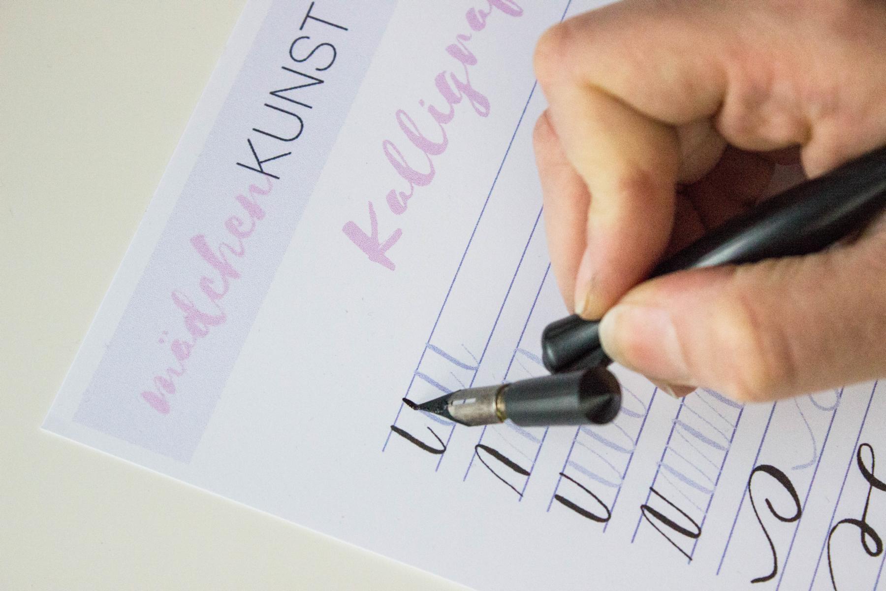 Kalligrafie übungsblatt Mädchenkunst